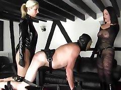 Domination latex mistress