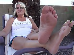amateur mom feet