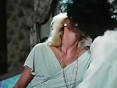 Retro lesbian sex videos