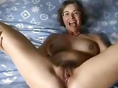 Beautiful clip free pussy
