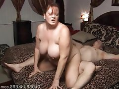Homemade amateur kelly takes it up the ass 1 click