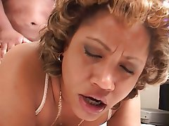 Voluptuous ebony babe gets her pussy licked then sucks cock